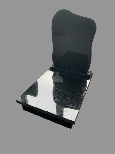 Labrador Black gránit urna sírkő - Ár:  210 000  Ft
